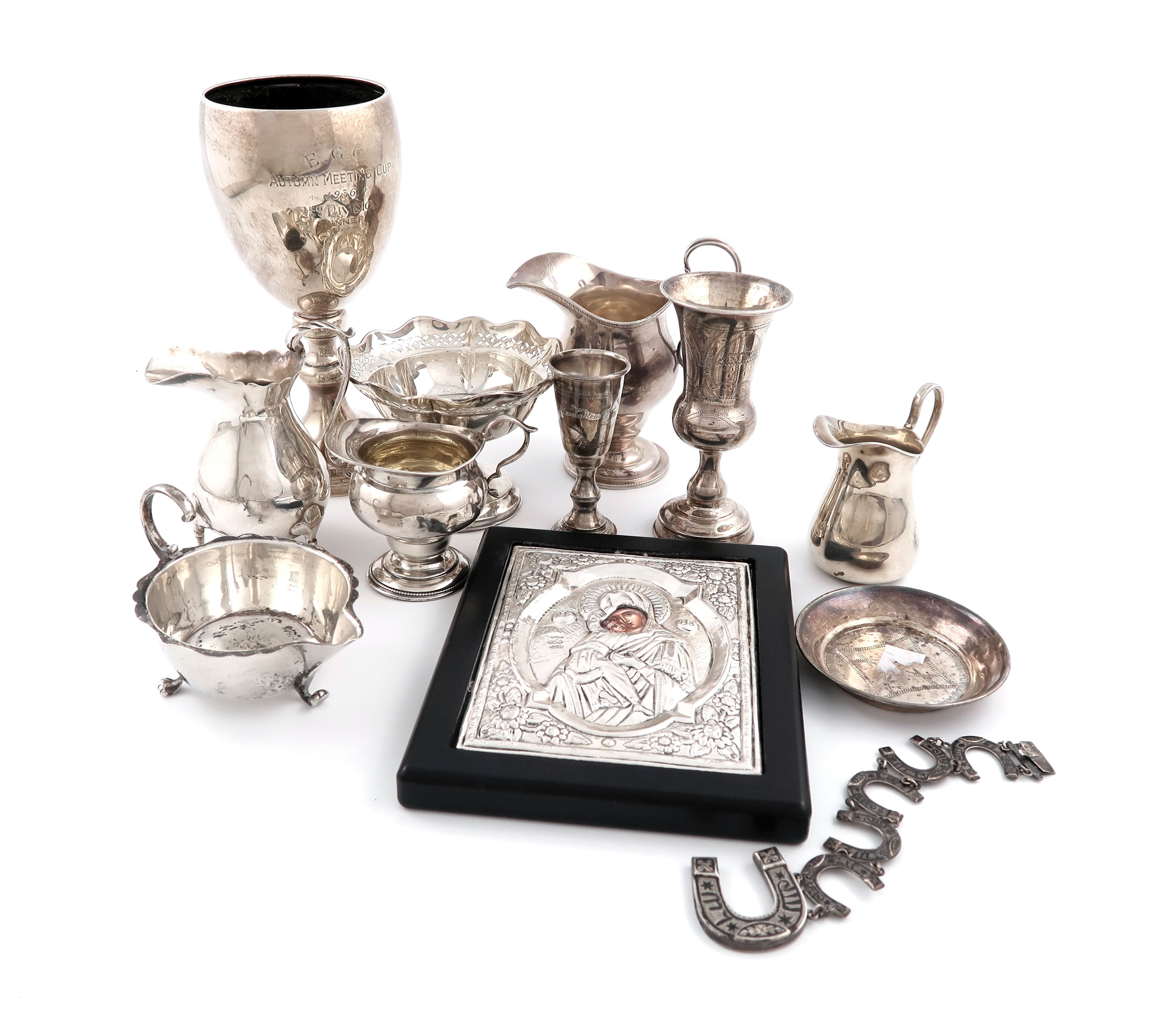 A mixed lot of silver items
